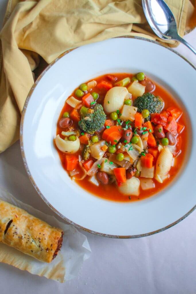 vegan soup soep minestrone plantbased